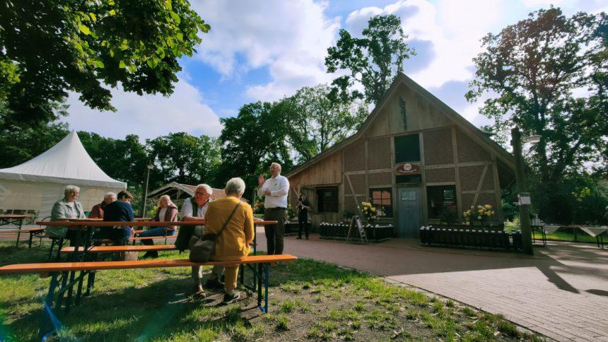 Vechtehof im Tierpark Nordhorn erweitert um Metzgerei